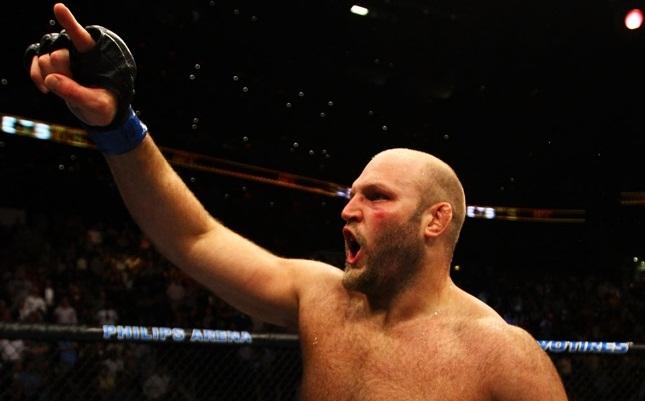 Rothwell (foto) já foi flagrado em um antidoping em 2013. Foto: Josh Hedges/UFC