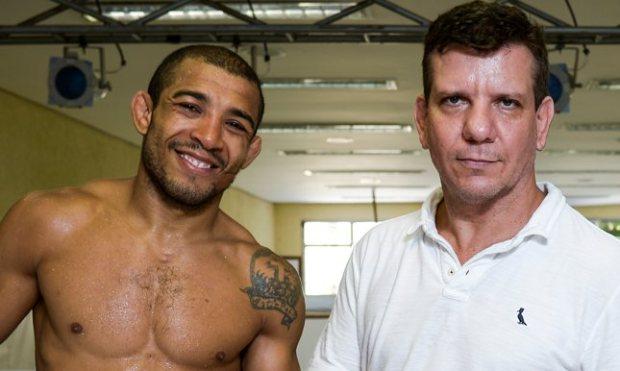 Dedé (dir.) é treinador e empresário de Aldo (esq.). Foto: Divulgação