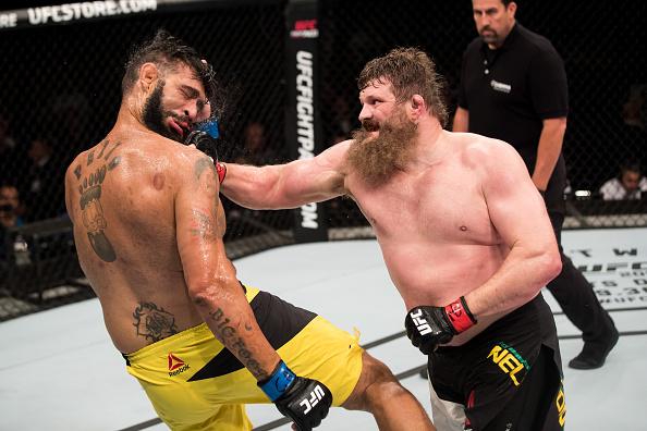 Nelson nocauteou A. Pezão no segundo round da luta. (Foto: Getty Images)
