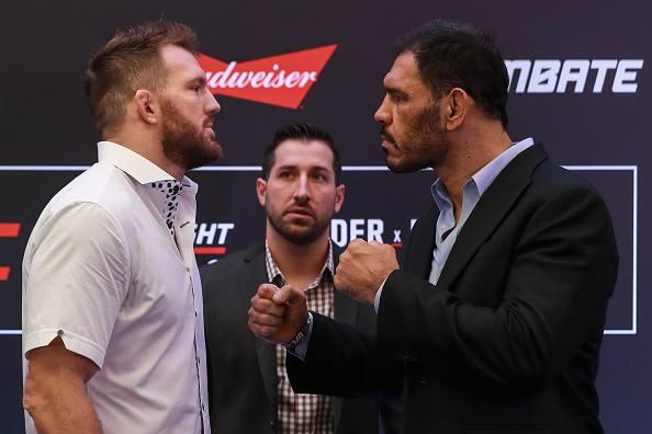 Bader (esq) e Minotouro (medem forças na luta principal do UFC São Paulo. (Foto: UFC / Divulgação)