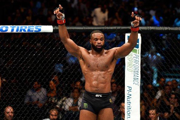 Woodley está revoltado com Dana, presidente do UFC (Foto: Reprodução/Twitter UFC Brasil)