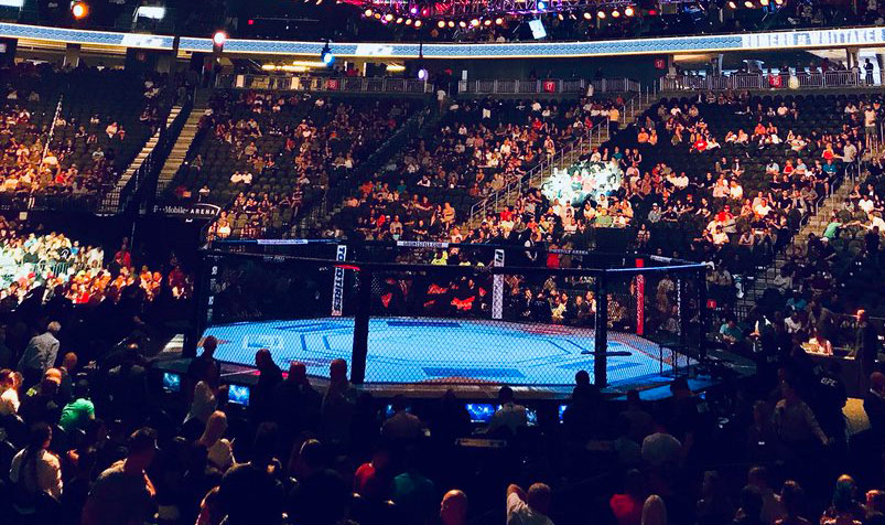 octógono UFC. Foto: Reprodução / Twitter / T-Mobile Arena