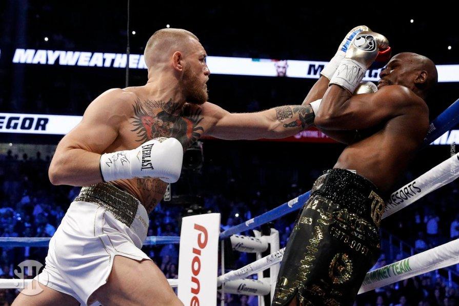 Floyd nocauteou McGregor (Reprodução Twitter ShowtimeBoxing)