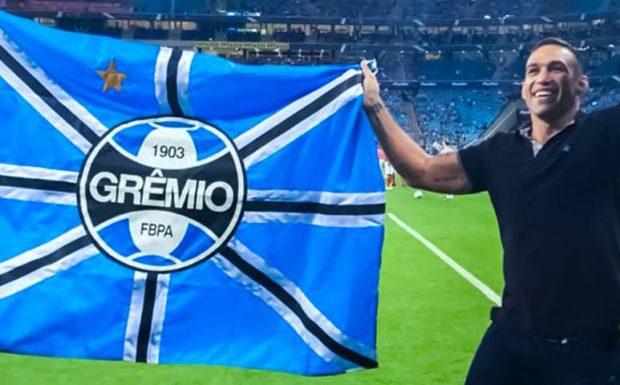 Werdum entrará com hino do Grêmio no UFC 216 (Foto:Facebook FabricioWerdum)
