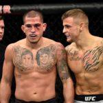 Pettis e Poirier fizeram luta sangrenta (Foto:Reprodução/Facebook UFC)