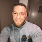 C. McGregor postou foto sorrindo com comunicado (Foto: Reprodução Instagram thenotoriousmma)