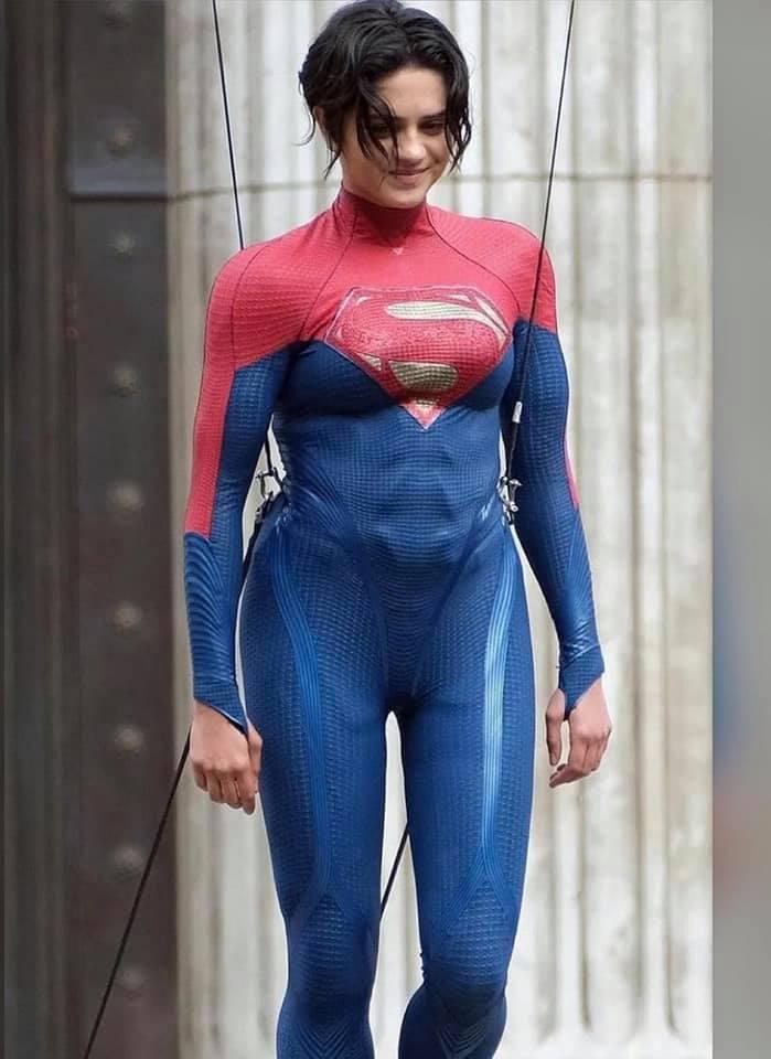 The Flash [2022] SashaCalle-Supergirl01