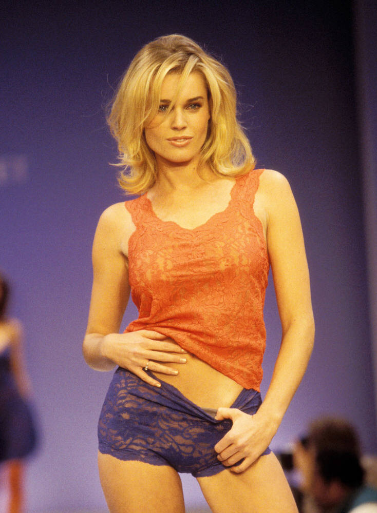 Victoria's Secret Fashion Show 1997 – Runway – Rebecca Romijn [x 9]