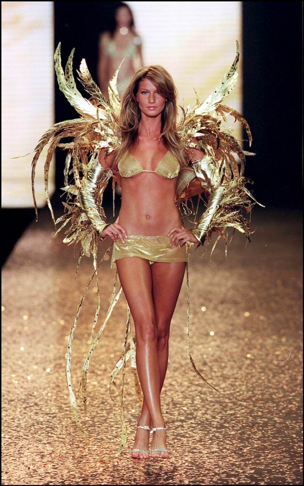 Victoria's Secret Fashion Show 2000 – Runway – Gisele Bundchen [x 21]