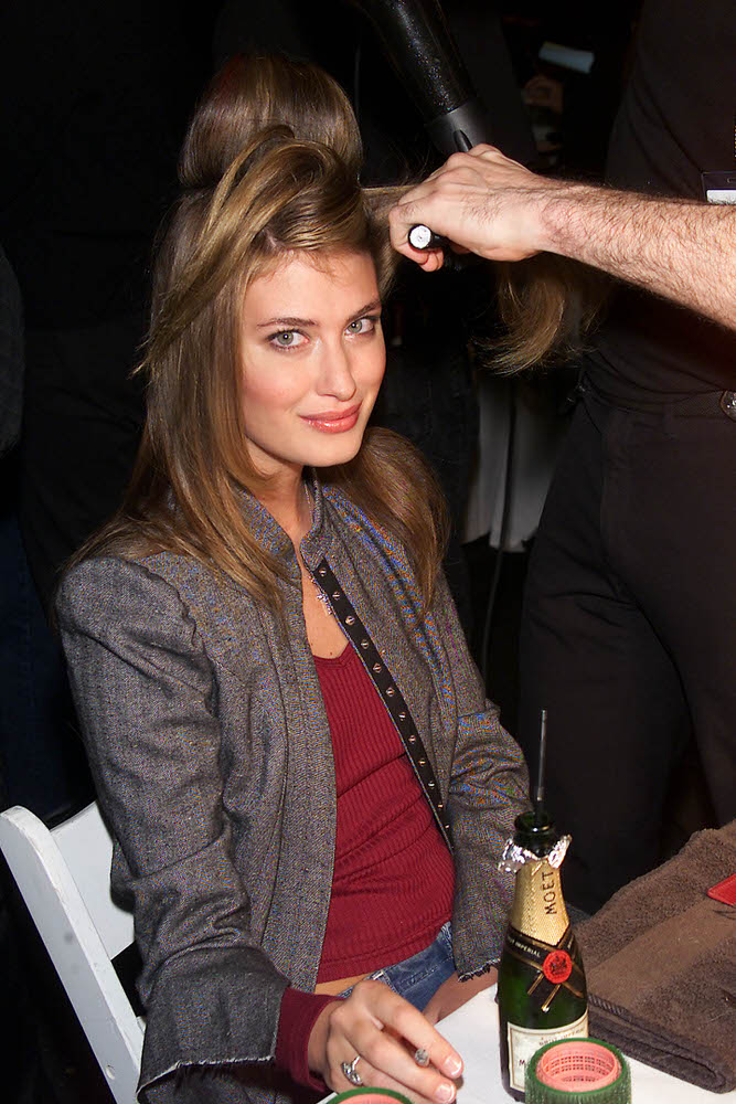 Victoria's Secret Fashion Show 2001 – Backstage – Rhea Durham [x 8]