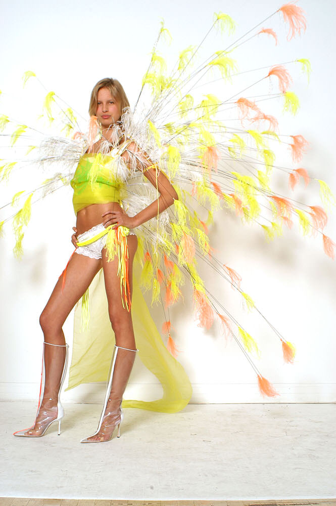 Victoria's Secret Fashion Show 2002 – Fittings – Karolina Kurkova [x 6]