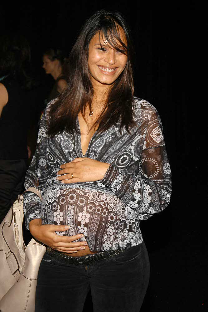 Ujjwala Raut attends the 2005 Victoria's Secret Fashion Show [x 6]