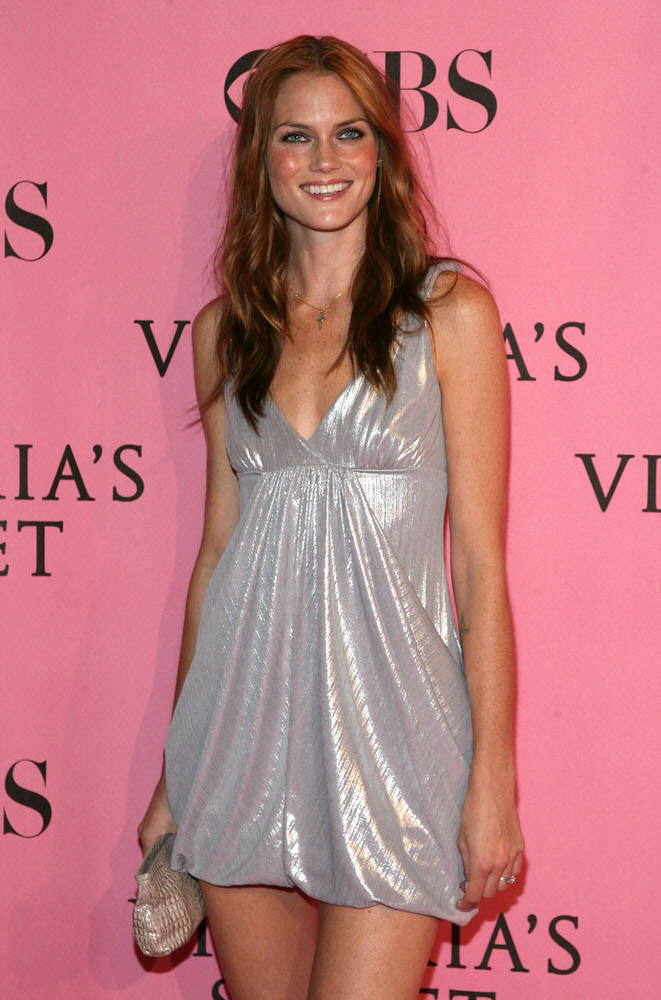 Mini Anden – After Party – Victoria's Secret Fashion Show 2007 [x 3]