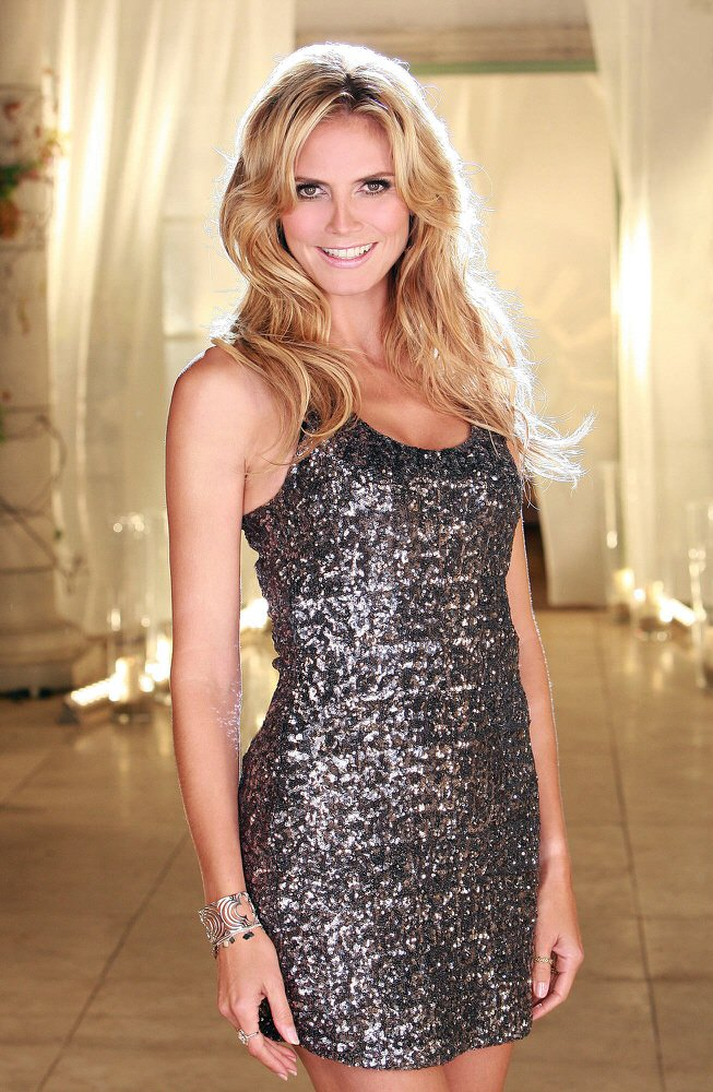Heidi Klum – Promo shoot for the '2007 Victoria's Secret Fashion Show' [x 24]