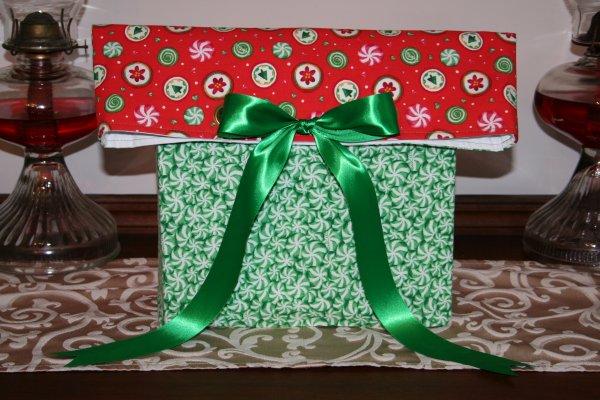 Grommet bow gift bag