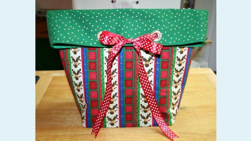 Grommet Bow Gift Bag Tutorial – Part 3 Installing the Grommets
