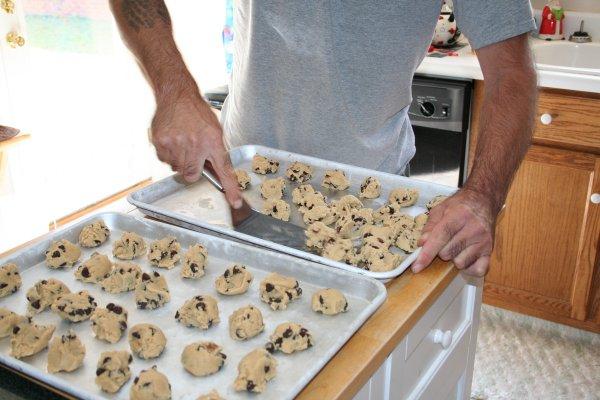 take frozen cookie dough off sheets