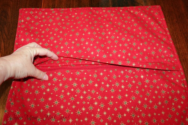 Concealed zipper on the pillow cover for Debbie