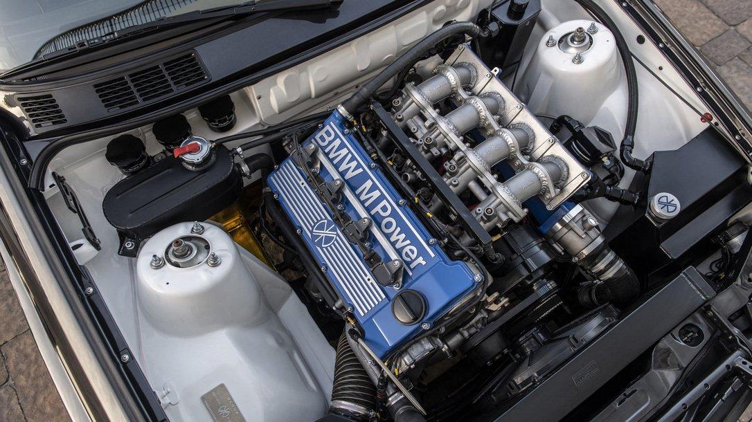 絕對保值,Redux打造極致經典BMW E30 M3 | SUPERMOTO8