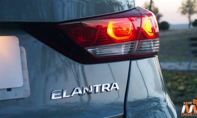 Al volante del Hyundai Elantra 2016