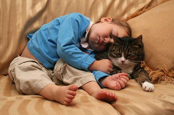 kids-with-cats-40__605