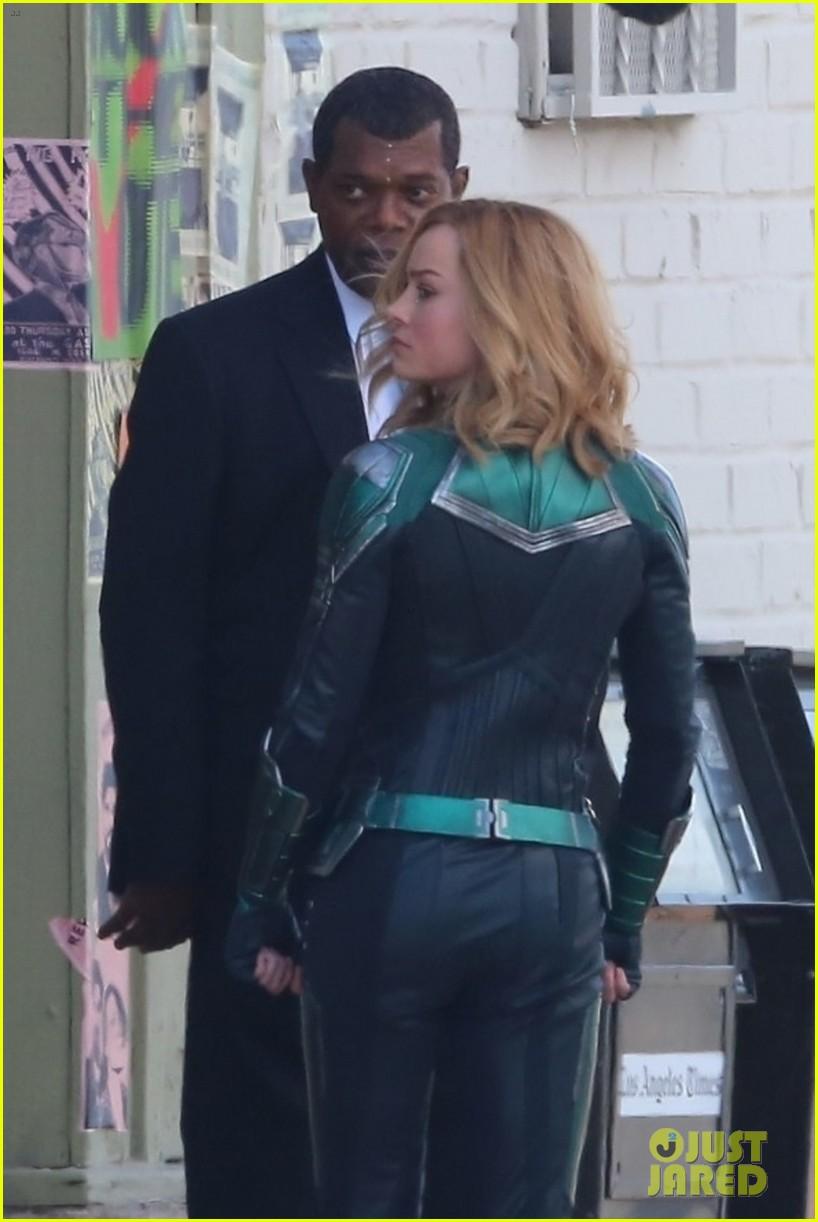 Le jeune Nick Fury et Captain Marvel
