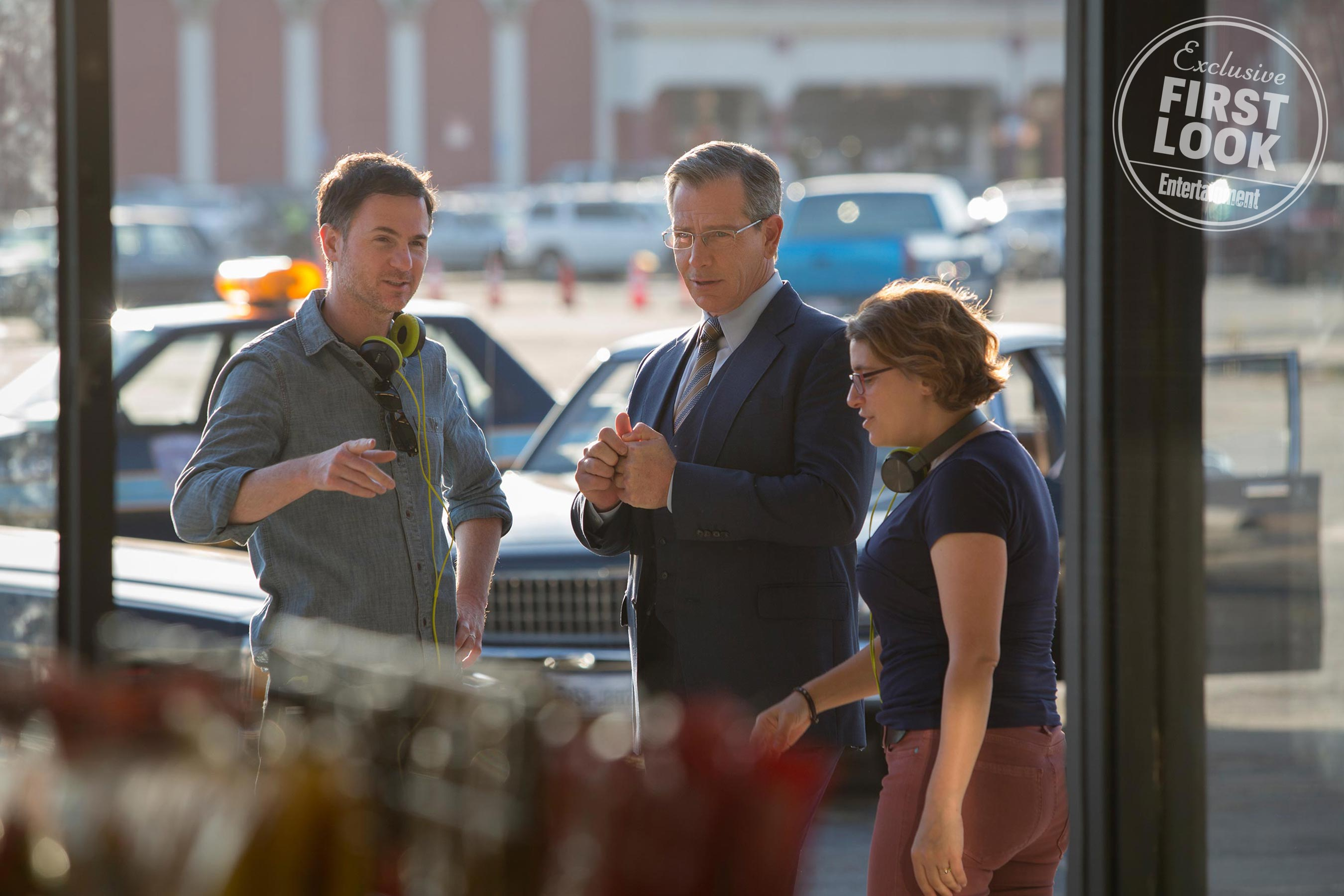 Marvel Studios' CAPTAIN MARVEL L to R: Director Ryan Fleck, Ben Mendelsohn, and Director Anna Boden on set