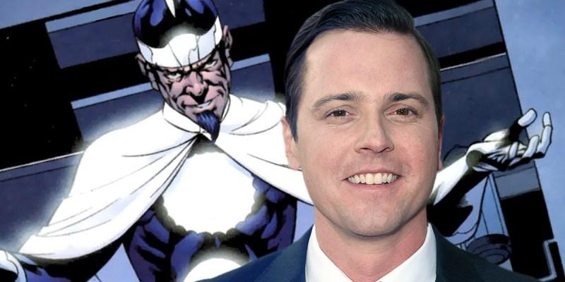 Michael Mosley est le Dr Light dans Titans