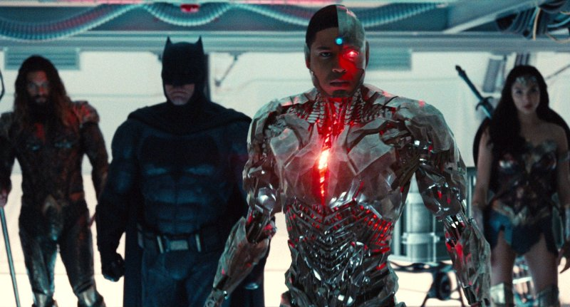 justice-league-actor-says-reshoots-will-lighten-up-the-film