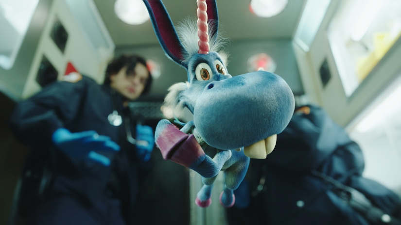 happy-blue-horse-season-1-syfy.jpg