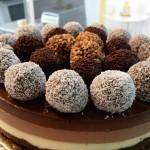 Tarta tres chocolates con trufas