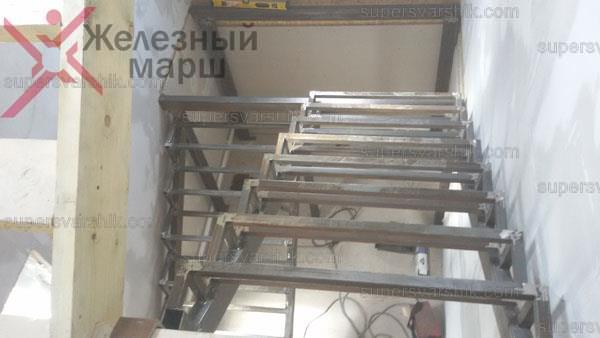металлические лестницы в дом на второй этаж