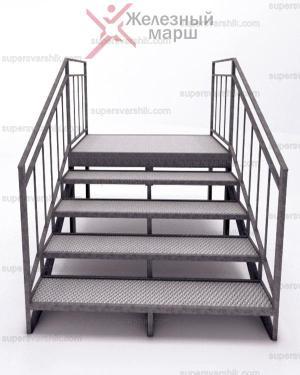 Лестница со ступенями из рифленого листа
