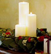 Easy reception centerpieces - pillar candles and wreath