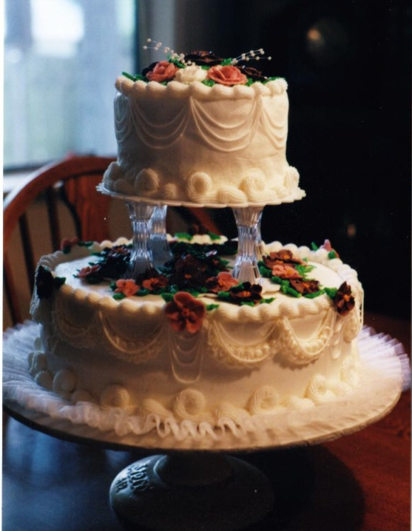 2 tier white wedding cake white wedding cakes two tier with gum paste flowers 10189