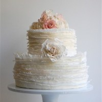 Ruffles Wedding Cake: A Gorgeous New Trend