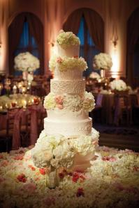 Gorgeous wedding cake - 8 tiers, fresh flowers