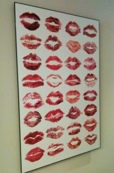 Fun Wedding Day Keepsake - Bridesmaid's Lip Prints