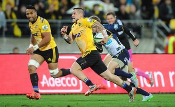 TJ Perenara breaks through for the Hurricanes in last year's Semi-final