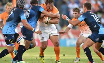 Coenie Oosthuizen on the charge for the Cheetahs against the Bulls
