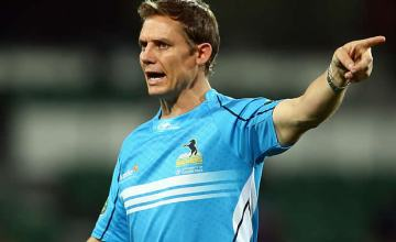 Brumbies coach Stephen Larkham wants to stay in Canberra