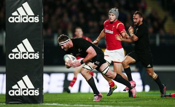 All Black captain Kieran Read scores a try