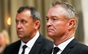 Grant Fox says the Super Rugby sides can select their All Blacks