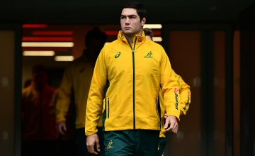 Rob Simmons of Australia makes his way onto the pitch during the Australia Captain's Run