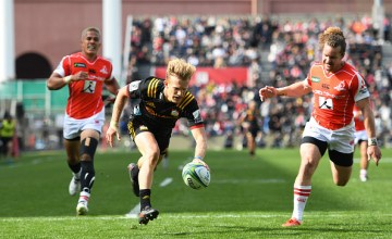 Damian McKenzie returns to the Chiefs Super rugby side at 10