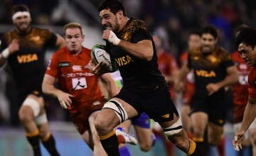 Guido Petti races away to set up another try as the Jaguares put the Sunwolves to the sword at Estadio Jose Amalfitani, Buenos Aires