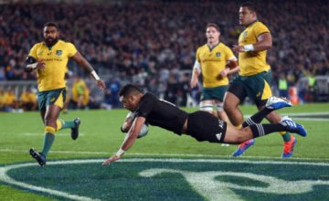 Richie Mo'unga scores in the Bledisloe Cup for the All Blacks against Australia at Eden Park, Auckland