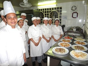 students in chef class