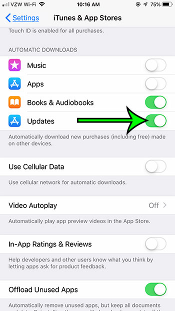 how to enable automatic app updates on an iPhone 7