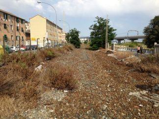 C Il sedime della vecchia ferrovia a Longarello